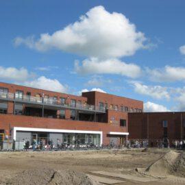 Basisschool Paulus en appartementen te Castricum